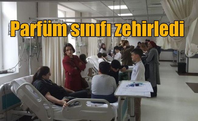 Sınıfa sıkılan parfüm öğrencileri hastanelik etti