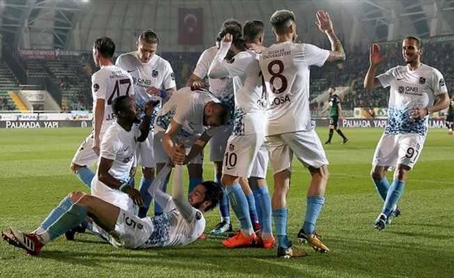 Trabzonspor 3 puanı 3 golle aldı