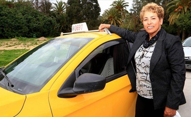 Tunus'un 32 yıllık kadın taksi şoförü