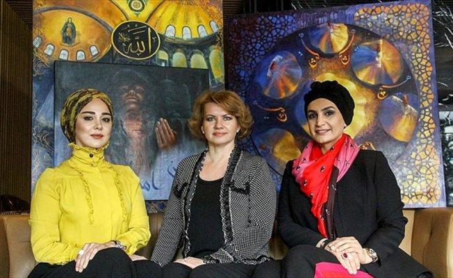 Üç kadın ressamın ruhu tablolarda birleşiyor