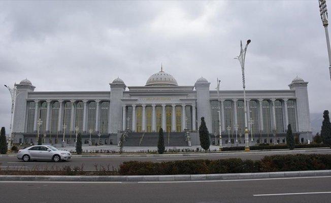 Zarafetin halıya dokunduğu ülke: Türkmenistan