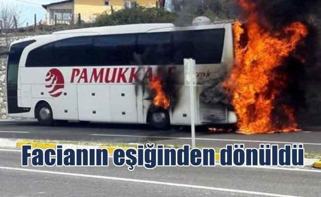Akçakoca'da hareket halindeki otobüs cayır cayır yandı; Faciadan dönüldü