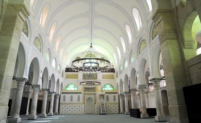Cezayir Keçiova Camisi'nde ilk cuma namazı