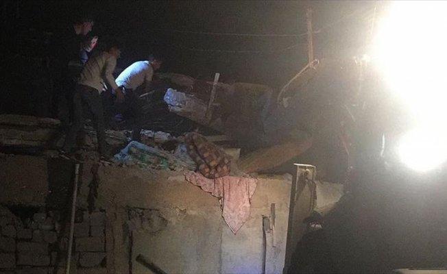 Cizre'de iki katlı ev çöktü: 2 ölü, 8 yaralı