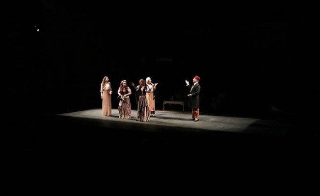 Devlet Tiyatroları yerli yazarları ödüllendirdi