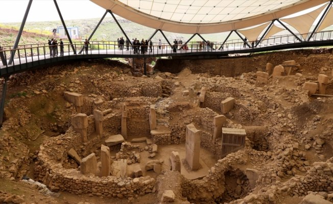 Dünyanın en eski tapınağı Göbeklitepe'ye Stonehenge modeli