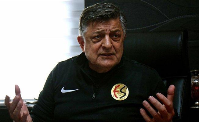 Eskişehirspor Teknik Direktörü Vural: Zordayız gel kurtar, düşüyoruz gel çıkar