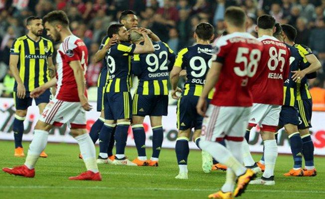 Fenerbahçe Sivas'tan 3 puanla dönüyor