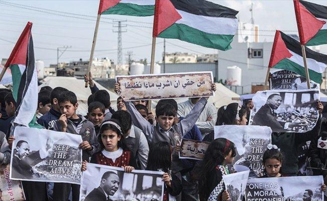 Filistinli çocuklar Martin Luther King'i andı