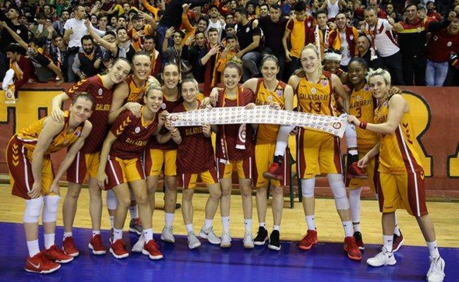 Galatasaray şampiyonluğa bir adım yaklaştı