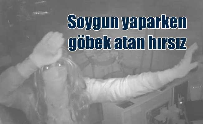 Hırsızın yüzsüzlüğü görenleri dehşte düşürdü: Göbek attı