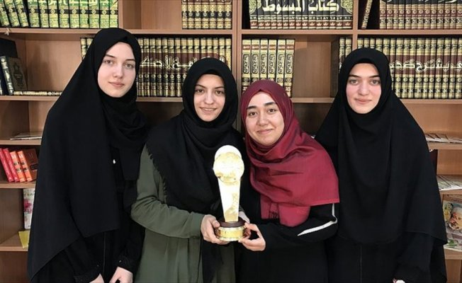 İki yılda öğrendikleri Arapça ile dünya şampiyonu oldular