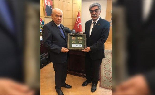 Mehmetçik'ten Bahçeli'ye 'Zeytin Dalı' hediyesi