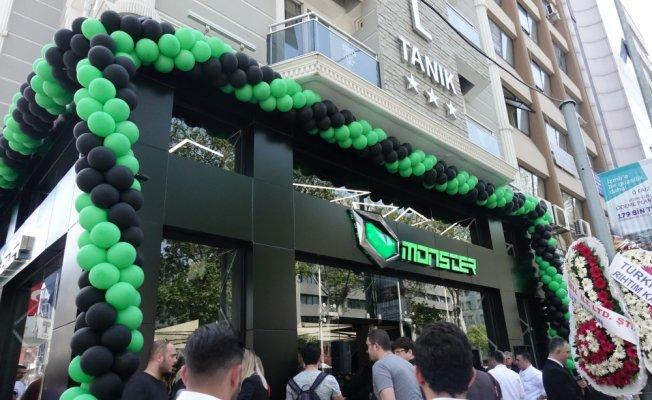 Monster Notebook 2. oyun mağazasını İzmir'de açtı
