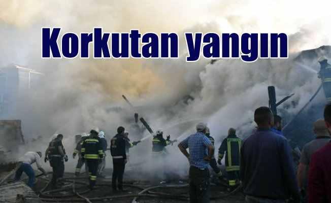 Sivas duman altı oldu: Kereste deposunda korkutan yangın