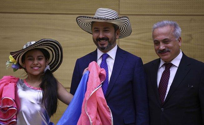 TBMM Başkanvekili Aydın, 39 ülkeden gelen çocukları ağırladı