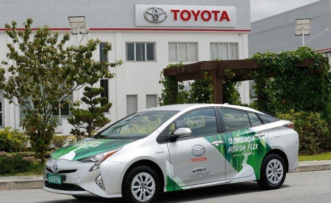 Toyota'dan dünyanın ilk alternatif yakıtlı hibrit araç prototipi
