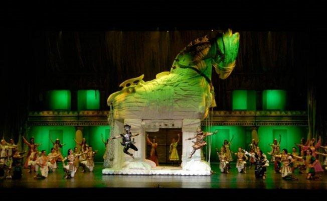 Troya efsanesi doğduğu topraklarda sahnelendi