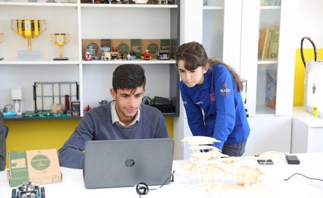 Turkcell'den Mardinli çocuklara teknoloji sınıfı