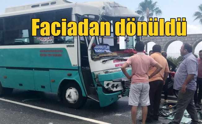 Alanya'da feci kaza; 15 yaralı var