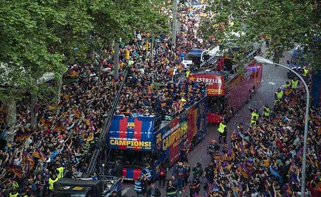 Barcelona şampiyonluk turunu attı