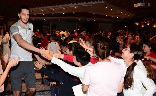 Bilfenli öğrenciler Tofaş Spor Kulübü oyuncularıyla buluştu