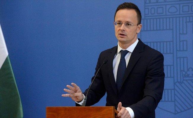 Macaristan'dan Avrupa'ya göç tepkisi