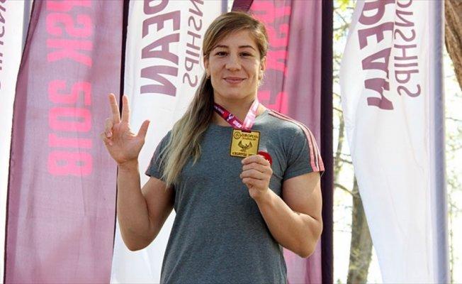 Milli güreşçi Adar: Türk kadınının gücünü Avrupa'ya gösterdik