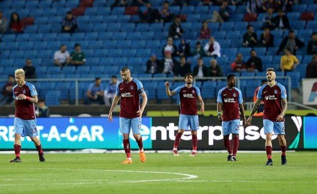 Trabzonspor sahasında yıkıldı