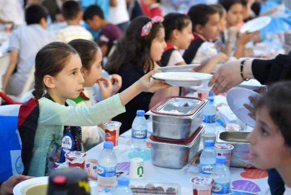 Üsküdar'da ilk kez oruç tutan bin 500 çocuk iftarı birlikte açtı