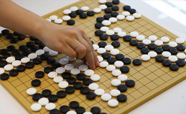 Dört bin yıllık zeka oyunu 'Go'yu Türkiye'ye tanıtıyorlar