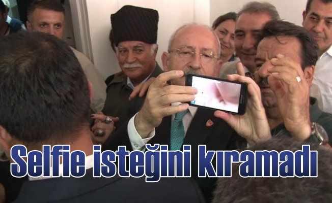 Kılıçdaroğlu vatandaşın selfie isteğini kıramadı