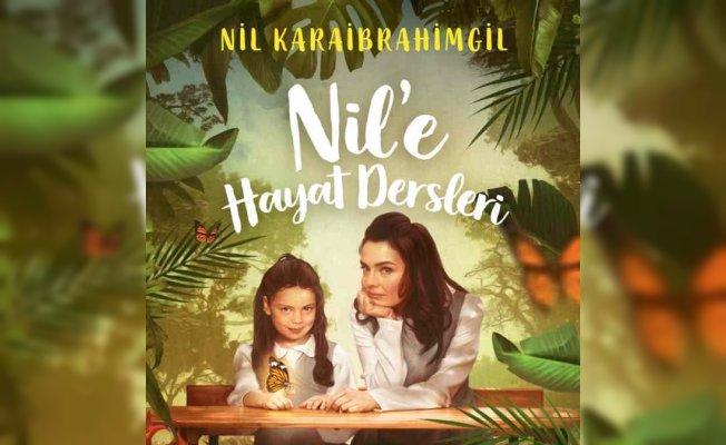 Nil Karaibrahimgil İzmir Agora'da okurlarıyla buluşuyor