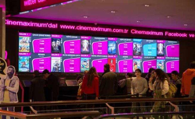 Sistem 9, sinemaları dijital afişlerle donatıyor