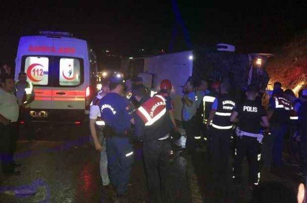 Son Dakika Karaman: Feci kaza 3 ölü 40 yaralı var
