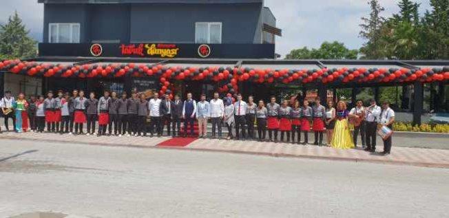 Tavuk Dünyası 160. Restoranını Antalya Kemer'de açtı