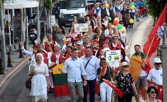 'Türk festivalleri dünya sanatına açık'