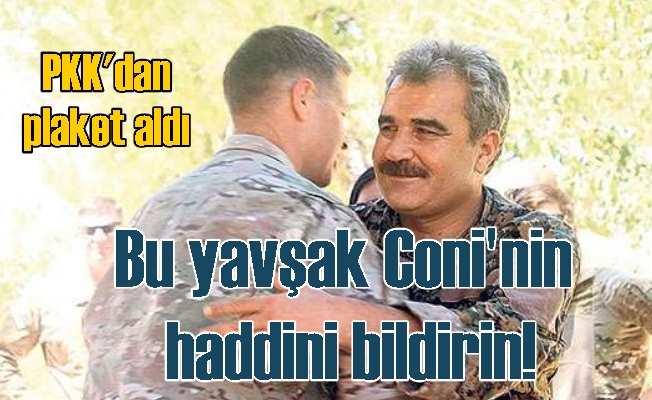 Amerikalı general PKK'lılarla sarmaş dolaş; Plaket bile aldı