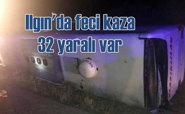 Ilgın'da feci kaza, 32 yaralı var