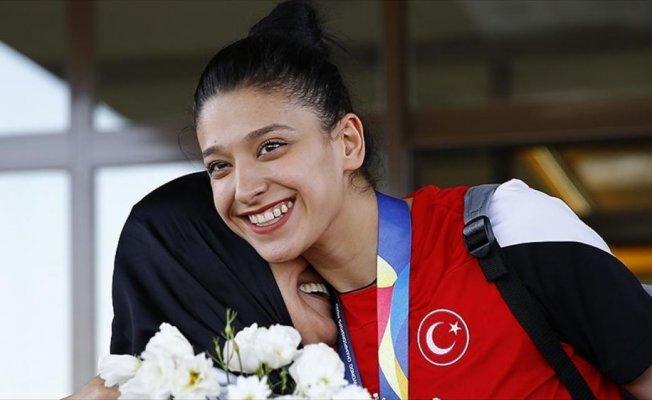 Milli tekvandocu Nur Tatar Askari sporu bıraktı