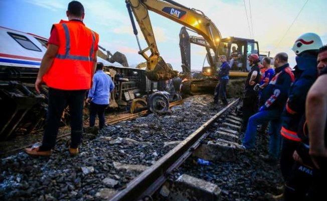 Tren kazasının ardından İBB ekipleri seferber oldu