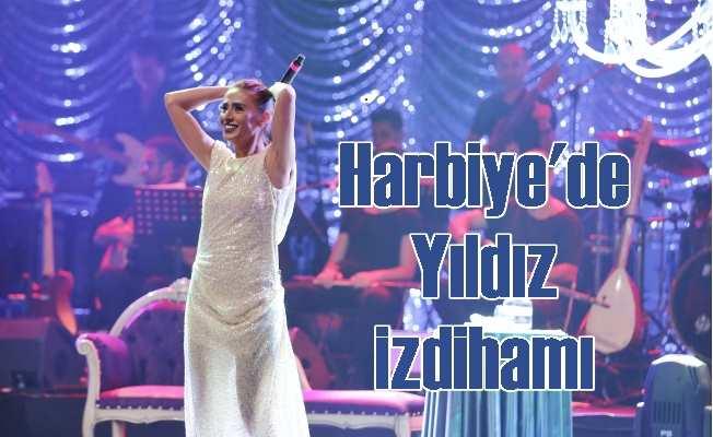 Yıldız Tilbe'nin Harbiye konserinde yıldız izdihamı
