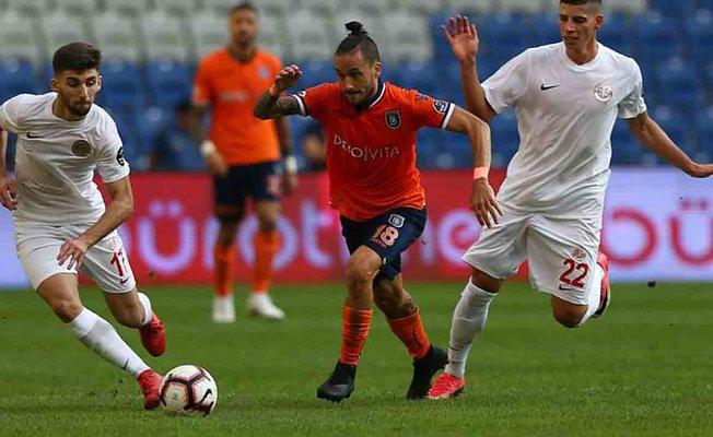 Medipol Başakşehir 4 - Antalyaspor 0