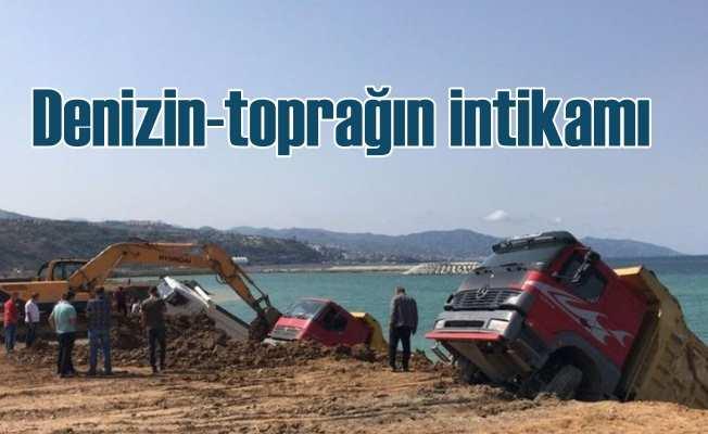 Tarım toprağı ile denizi dolgusu; Dolgu yapan kamyonlar çöktü