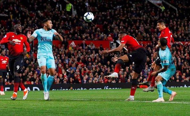 Manchester United'den muhteşem dönüş