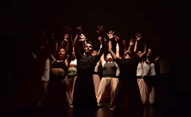 Bizim Hikayemiz sezon sonu gösterisiyle sahnede
