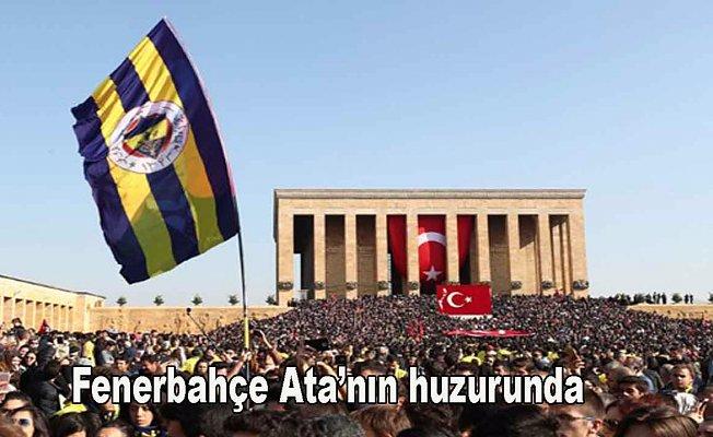 Yüzbinlerce sarı lacivertli taraftar Anıtkabir'e akın etti