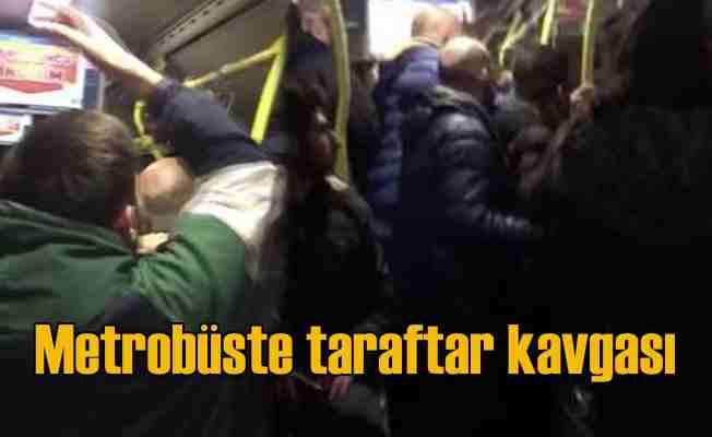 Fenerbahçe Yeni Malatyaspor taraftarları metrobüsü birbirine kattı