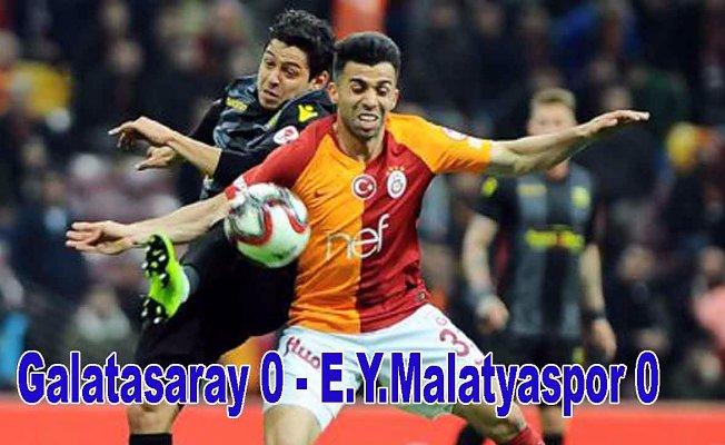 Galatasaray avantajı kaçırdı