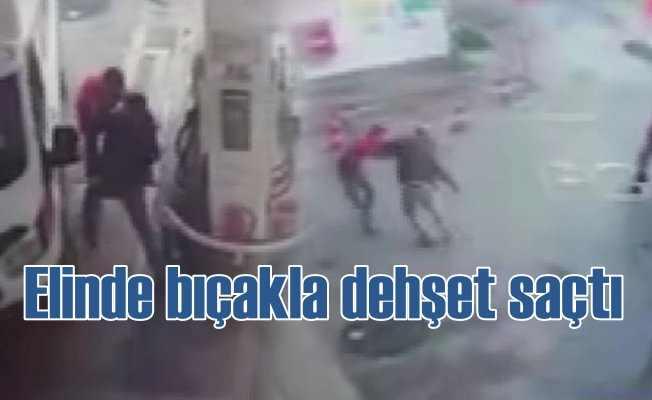Elinde bıçakla polis rağmen vurmaya devam etti